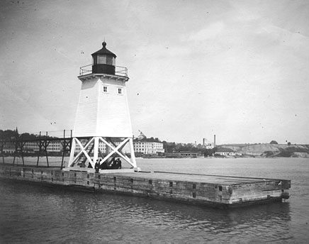 U.S. Coast Guard Archive Photo of the Port Washington Pierhead Light