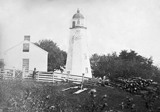 National Archives photo of the Charlotte-Genesee Lighthouse with original birdcage-style lantern