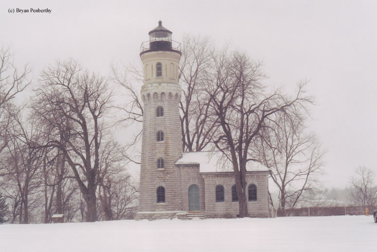 Photo of the Fort Niagara Lighthouse.